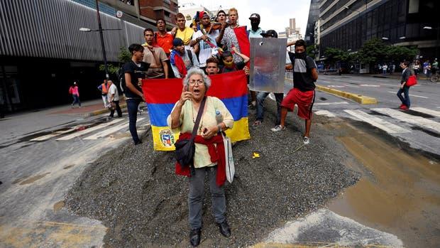 """""""Hora cero"""" en Venezuela: la oposición sale a las calles en un paro total de 24 horas para frenar a Maduro"""
