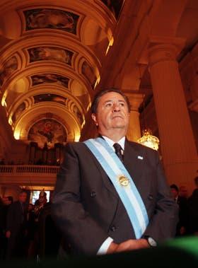 Duhalde, presidente de transición