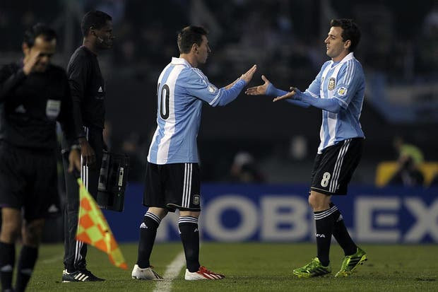 Sale Montillo, entra Messi