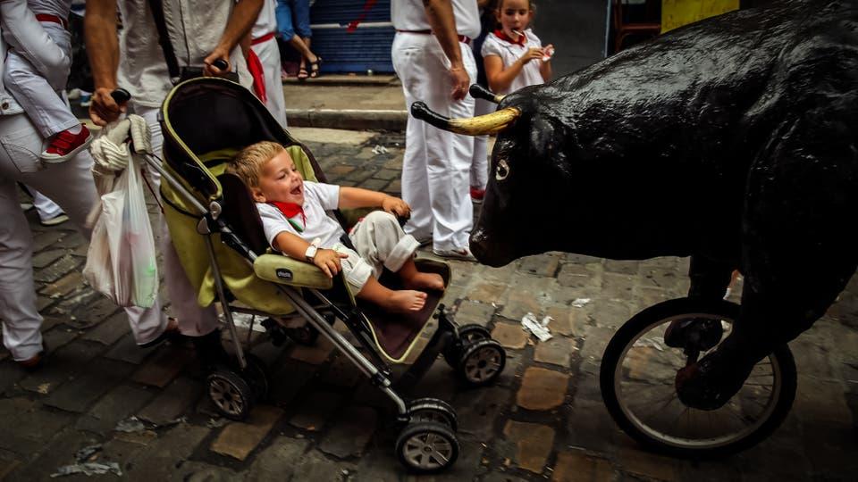 """El """"Encierro Txiki"""" . Foto: Reuters / Susana Vera"""