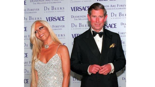 Junto a Donatella Versace en junio de 1999