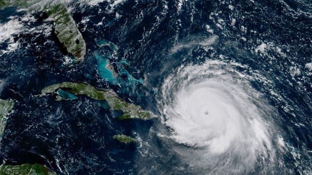 Se espera que el huracán llegue esta madrugada a Miami