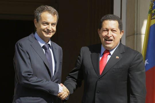 En una agitada visita a España, recibió la oferta de Zapatero de actuar como mediador entre Caracas y el gobierno de Uribe en septiembre de 2009. Foto: Archivo