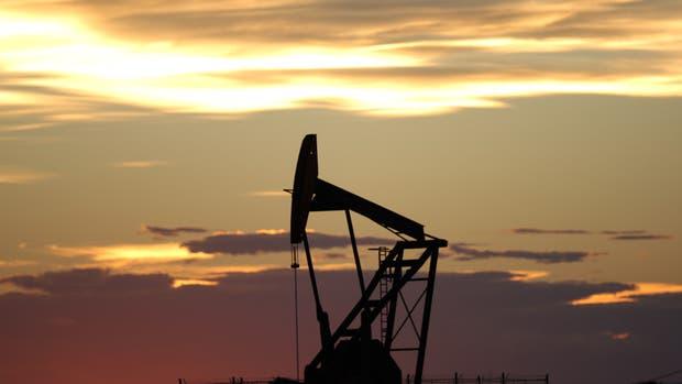 En la Argentina el litro de nafta súper está cerca de los $14