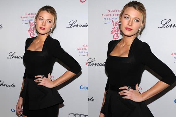 Sexy y muy femenina, Blake Lively optó por un vestido negro liso ideal para un cóctel. Foto: Foto. www.werdyo.com
