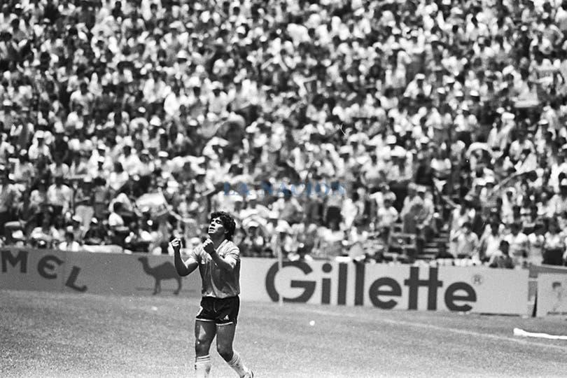 Diego Maradona, en su partido más glorioso. Foto: LA NACION / Antonio Montano
