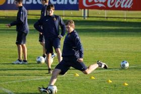 Martín Palermo firmó y brindó la primera alegría para Boca