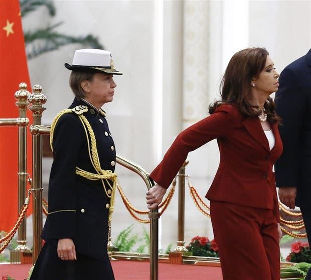 La coronel Pansa, con la Presidenta en China