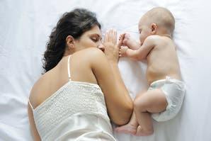 ¿Por qué no hay que dejar llorar a los bebés para que se duerman?