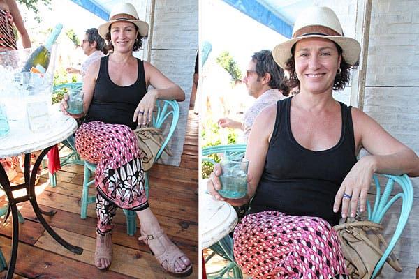 Con un look bien cómodo, Florencia Bas se relajó en el Chandon Bar. ¿Qué opinás de este equipo para una salida de fin de semana?. Foto: Feedback PR