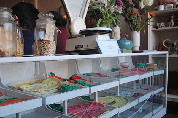 Objetos de decoración hechos en crochet. Foto: Cecilia Wall