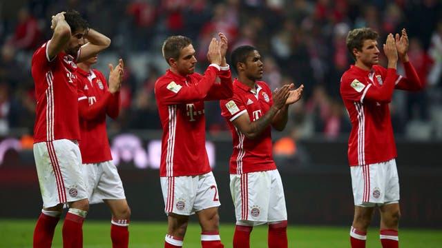 Bayern empató con Schalke pero sigue líder
