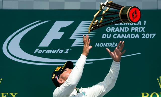 Lewis Hamilton, en el podio