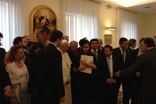 Según informó el Vaticano, el inicio del encuentro estaba previsto para las 8 (hora argentina), pero se adelantó media hora. Foto: LA NACION / Elisabetta Piqué