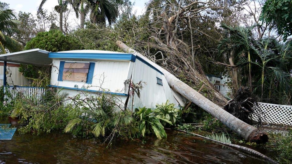 En total, dejó 38 muertos, entre ellos 10 en Cuba, que el fin de semana fue azotada por fuertes vientos y olas de 11 metros. Foto: Reuters