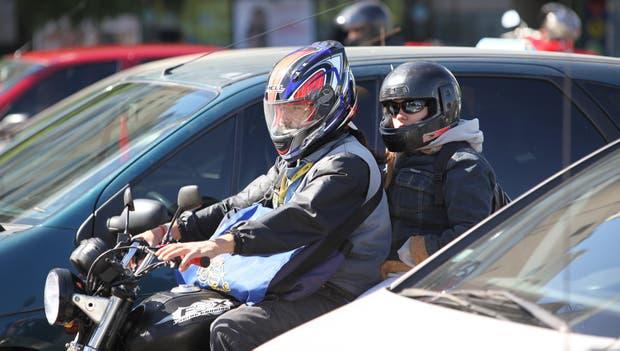 Buscan prohibir la circulación de más de una persona por motocicleta