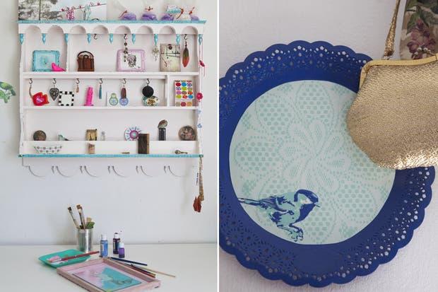 Sobre una pequeña estantería -la favorita de Luz- sobresalen pequeños tesoros: origamis, cuadritos y muchos recuerdos..