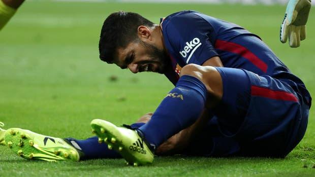 Otra mala noticia para el Barca, Luis Suárez sufre lesión de rodilla