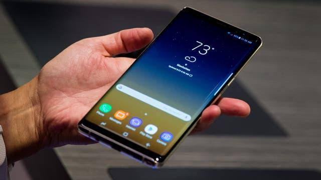 El Galaxy Note 8 tiene un aspecto muy similar al Galaxy S8, aunque con bordes más rectos