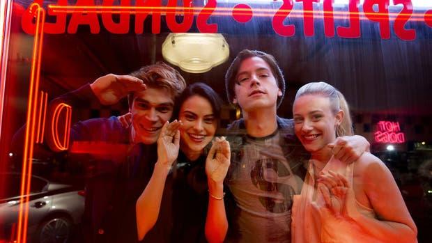 Riverdale, la serie basada en los cómics de Archie, llega para captar la atención de los millennials