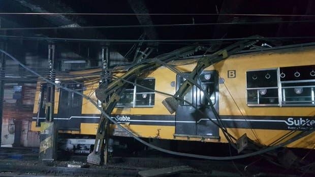 El tren descarriló en la zona de talleres de Constitución