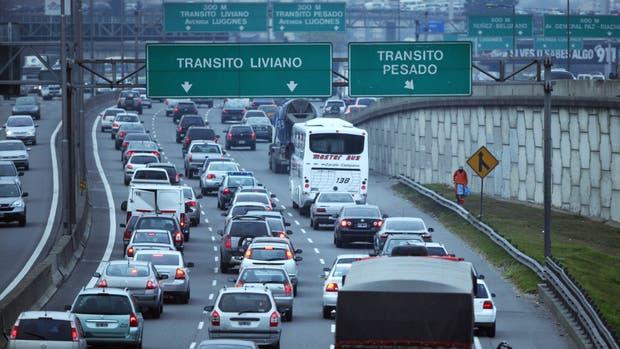 Imprudencia en autopistas casi el 70 de los pasajeros for Benetton quedara autopista panamericana acceso oeste