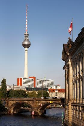 La icónica torre de la Televisión, en Alexanderplatz