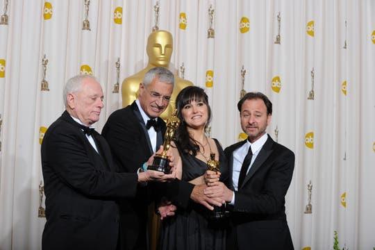 Los ganadores al Mejor Documental: The Cove. Foto: AFP / afp