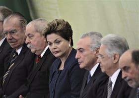 Lula, con Dilma y otros ex jefes de Estado, en mayo pasado; fue el presidente que terminó su mandato con mayor popularidad