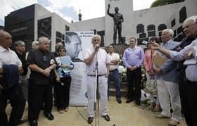 Caló reivindicó a Vandor en el mausoleo del cementerio de la Chacarita