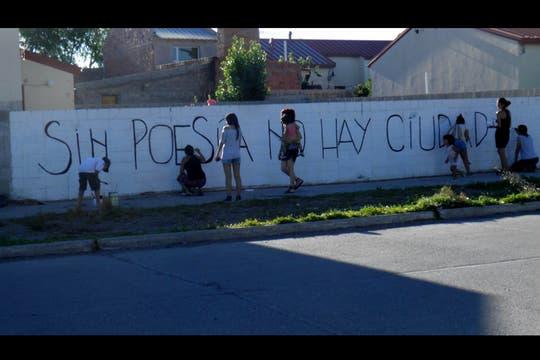 Acción Poética LA PM Santa Cruz. Foto: Facebook