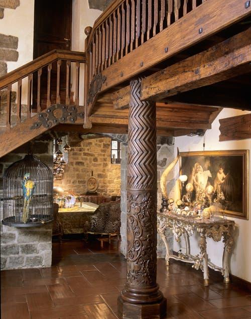 Sólo Cavalli une con maestría estrucutras barrocas y rústicas con objetos modernos..