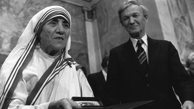 La Madre Teresa recibe el Premio Nobel de la Paz en diciembre de 1979