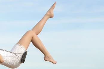 Pies descalzos: rutinas para cuidarlos en verano
