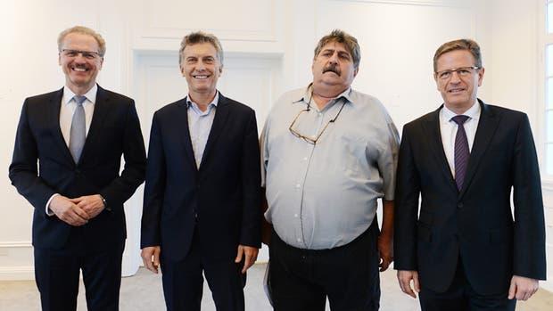 El presidente Mauricio Macri recibió hoy al máximo responsable mundial de la División Vans de Mercedes Benz, Volker Mornhinweg