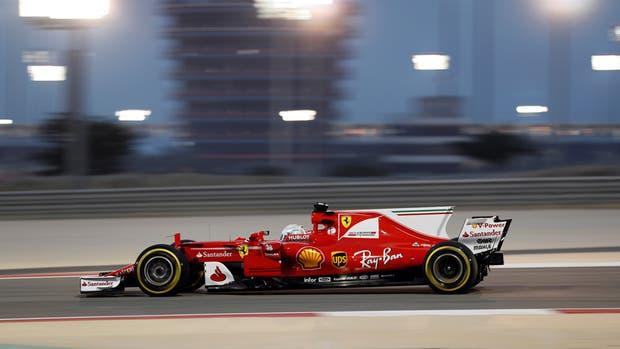 Sebastián Vettel dominó en los ensayos libres en Bahréin