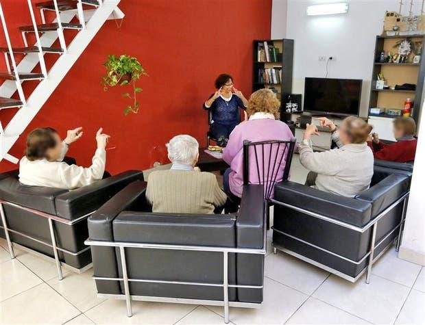 En el refugio, hay talleres y cursos para los residentes