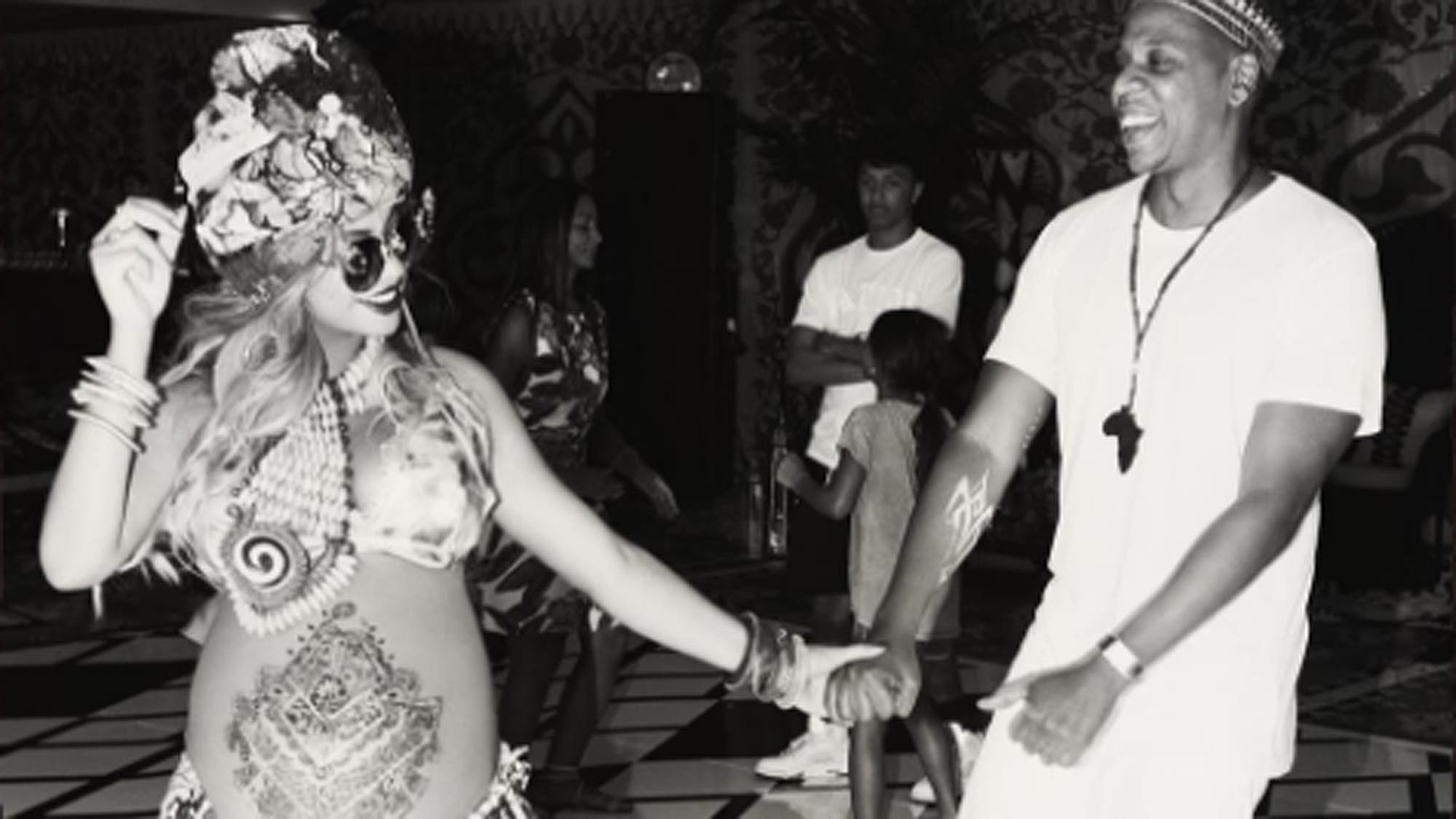 Tatuajes de henna, en el exótico baby shower de Beyoncé