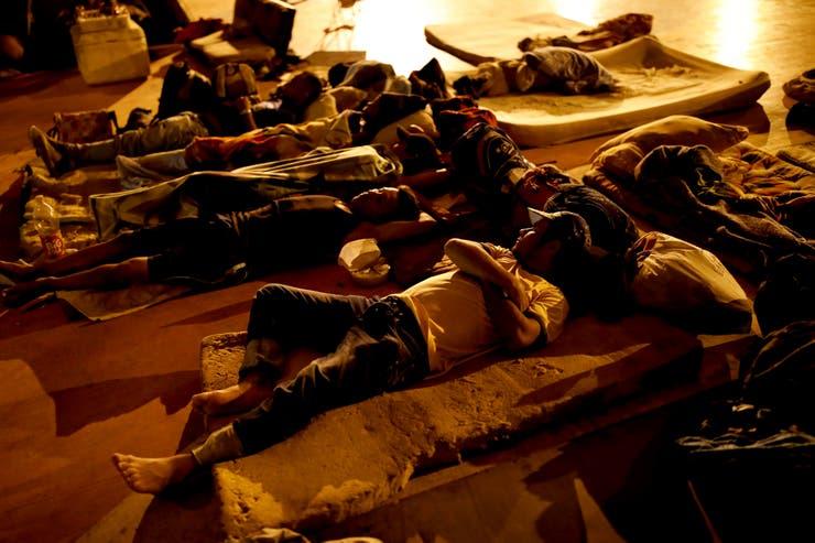 En los campamentos en Cúcuta, los venezolanos descansan como pueden