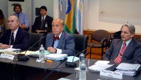 El tribunal del Mercosur, ayer, en acción: el uruguayo Gamio, el español Martí Mengarro y el argentino Barreira