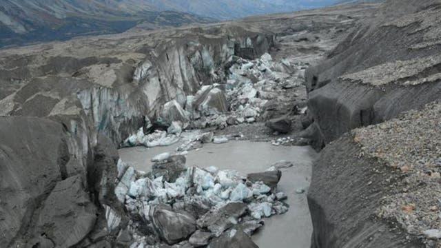 Este cañón lleva ahora casi toda el agua del deshielo hacia el Golfo de Alaska, a través del río Alsek