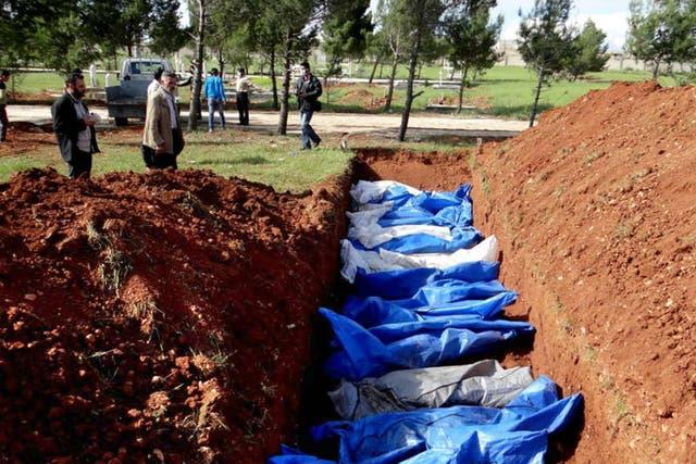 Las fosas comunes en Aleppo, son comunes por estos días de guerra civil