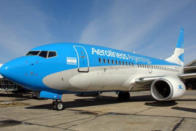 Aerolíneas Argentinas, beneficiada por una serie de medidas que perjudicaron la operación de LAN.
