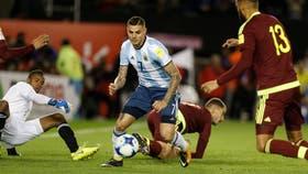 Mauro Icardi, en una de la oportunidades de gol que no pudo aprovechar