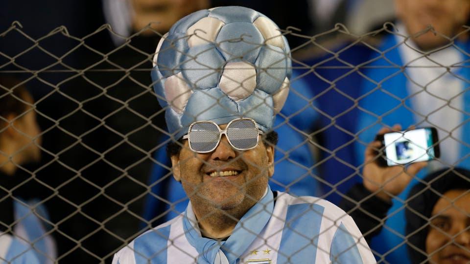 Los hinchas fueron a la cancha con ganas de ver ganar a la selección, hubo desilusión en las tribunas. Foto: LA NACION / Fabián Marelli