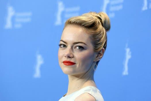 """¿En qué estará pensando Emma Stone mientras posa en la presentación de """"The Croods""""? En la 63 edición del Festival Internacional de Cine de Berlín / EFE."""