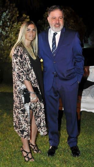 ¡Yo también voy! Fabián Doman y su novia Macarena Rawson Paz. Foto: Gerardo Viercovich