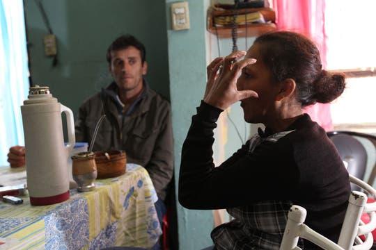 A ella no le sorprendió, ya era moneda corriente que la policía buscara supuestas cosas que su hijo había robado. Foto: LA NACION / Guadalupe Aizaga