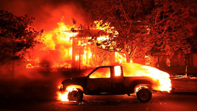 Son 14 los desvastadores incendios que se propagaron en una región de 320 kilómetros al norte de San Francisco