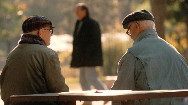 Jubilados y pensionados no deben pagar el impuesto a las ganancias